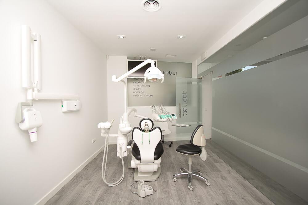 Clinica-Dental-Seron_Dentia_Consulta-1