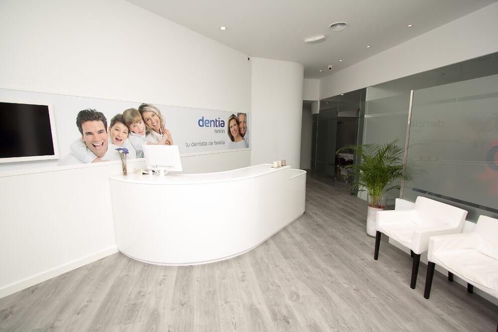 Clinica-Dental-Seron_Dentia_Recepcion1